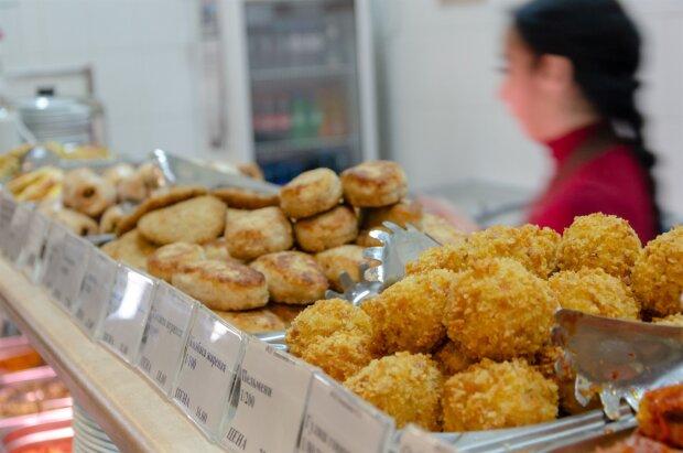 Макаронам с сосисками - нет: франковским школьникам предложили вкусное ноу-хау, в столовых настоящий аншлаг