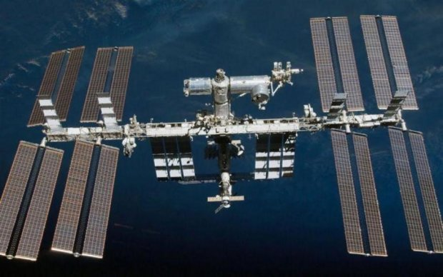 НЛО поздравил МКС с Днем космонавтики: видео