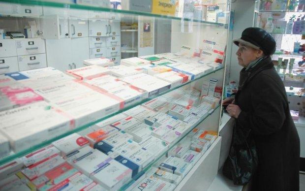 Дешевле умереть: цены на лекарства снова взлетят