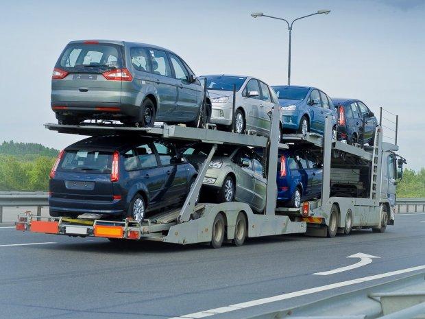 """Заборона на імпорт авто: українцям показали """"чорний список"""""""