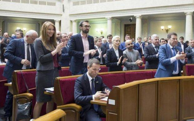 """З БПП """"біжать"""" депутати: жінки в авангарді"""