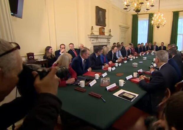 Кабінет міністрів Великобританії, скріншот відео