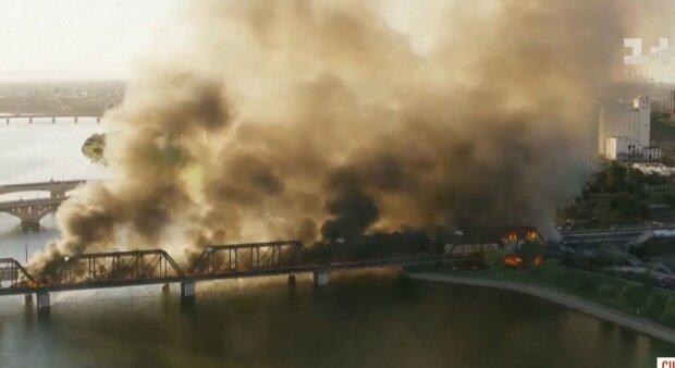 В Аризоне поезд сошел с рельсов, скрин с видео