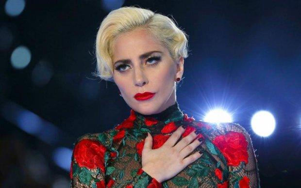 Величезний ніс і зуби на причинному місці: Леді Гага шокувала новою зовнішністю