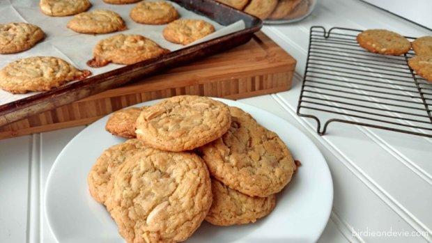 Неможливо відірватися: рецепт печива з кокосом і карамеллю