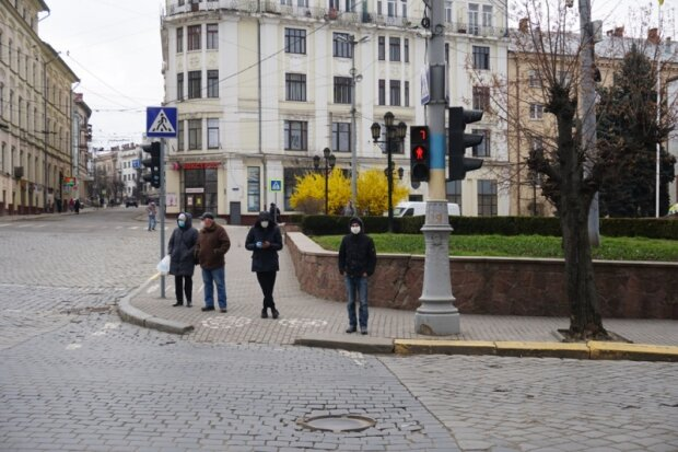 Буковинцы остаются без копейки в кармане, массовые увольнения: кому не повезло