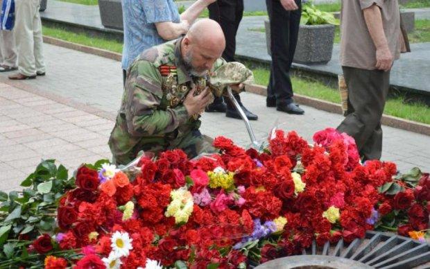 День скорботи і вшанування пам'яті жертв війни 22 червня: В'ятрович ополчився на українців