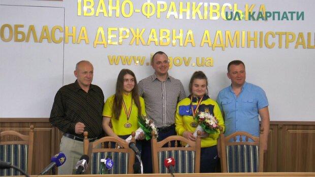 Франковск, встречай чемпионов: юные боксеры утерли нос всей Европе