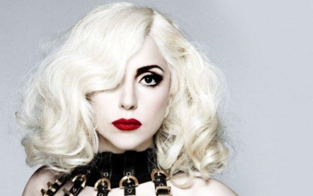 Леди Гага встретила день рождения в новом образе