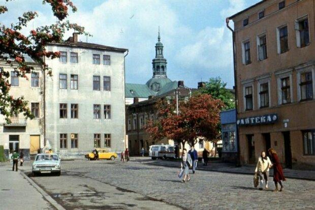 Сбывал наркотики, как пирожки: во Франковске накрыли местного эскобара