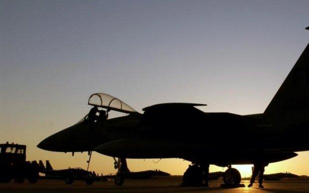 Військовий літак потрапив у НП: перші подробиці