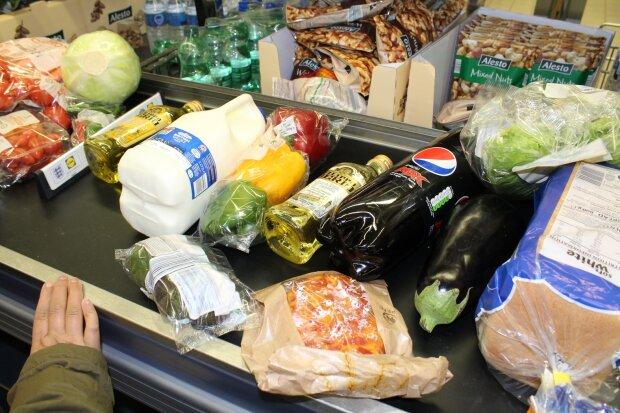покупки в супермаркете, фото Pxhere