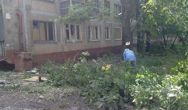 Очередной обстрел Горловки: разрушенные дома и жертвы (фото)