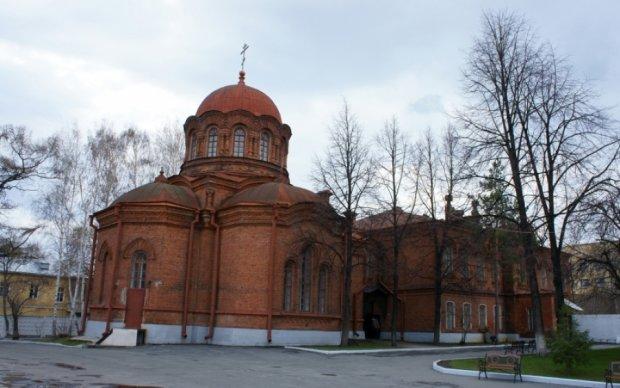 Росіяни знищили Успенську церкву щоб відреставрувати пусте місце