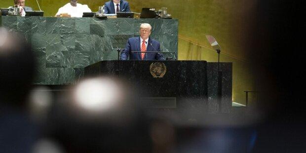 """Трамп выболтал секретные разработки оружия в США: """"Никто не может поверить"""""""