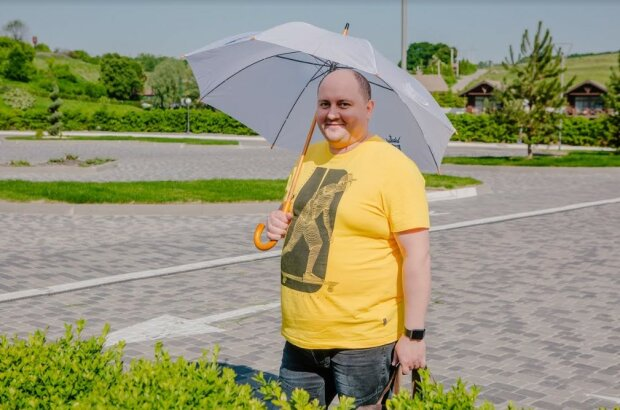 """Юрій Ткач, фото зі зйомок """"Великі Вуйки. Вдома краще"""""""