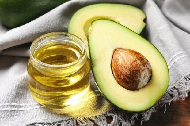 Еда, боящаяся холода: 20 продуктов, которые нельзя класть в холодильник