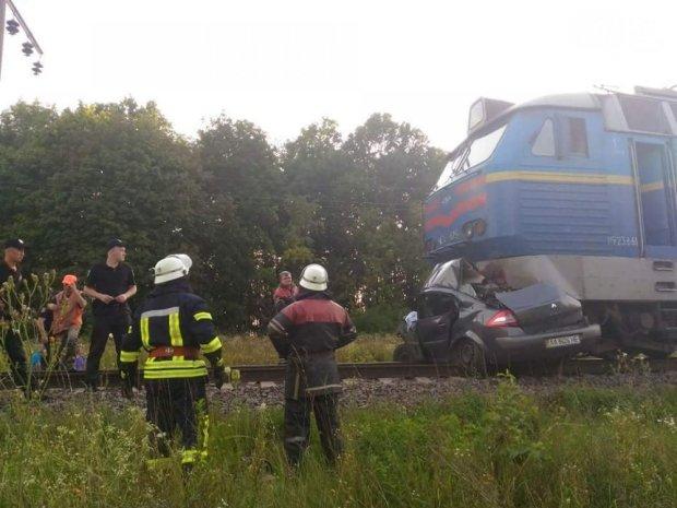 Машину смяло, как консервную банку : смертельное ДТП во Львове обрастает дикими подробностями, сделал страшное