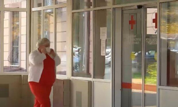 У Франківську лікарні заповнені хворими коронавірусом, кадр з репортажу ТСН: YouTube
