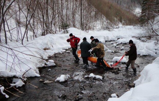 """У Карпатах стартував """"лавинний"""" сезон, рятувальники попередили про найголовніше"""