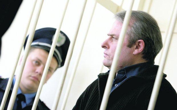 Суд отправил Лозинского назад в тюрьму