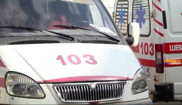 Жуткая находка в центре города взбудоражила Львов, - брошенное такси и труп вместо пассажира