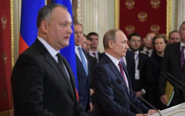 """Россияне бьются в истерике из-за очередного """"ножа в спину"""""""