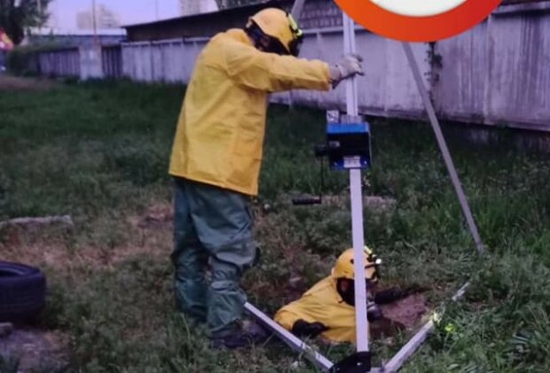 У Києві з каналізації виловили труп чоловіка, похований у нечистотах