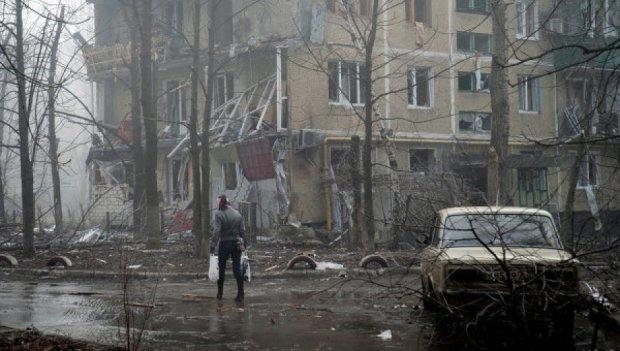 Жителі Донецька налякані вибухами