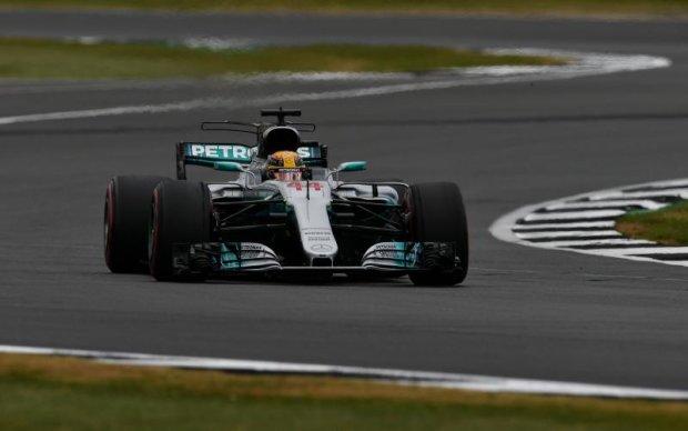 Формула-1: Хэмильтон показал лучшее время на третьей практике