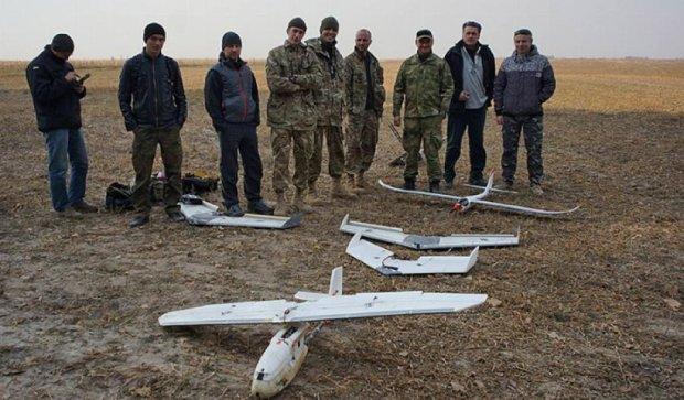 Волонтери випробували під Києвом нові безпілотники (фото)