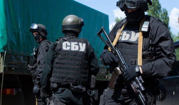 Правоохранители обнаружили грузовик со взрывчаткой под Новоайдаром