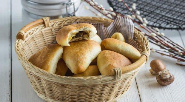 Смачніше ніж у бабусі: рецепт пиріжків з грибною начинкою