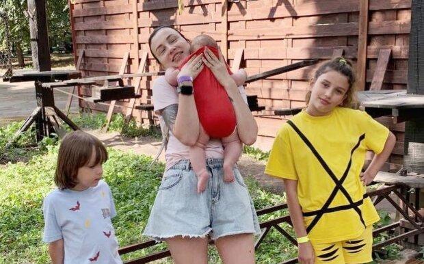 Анастасія Приходько з дітьми, фото з Instagram