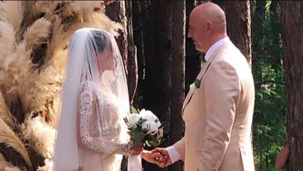 Весілля Потапа і Насті Каменських: повний Instagram-звіт, від ніжного вінчання до побажань знаменитостей
