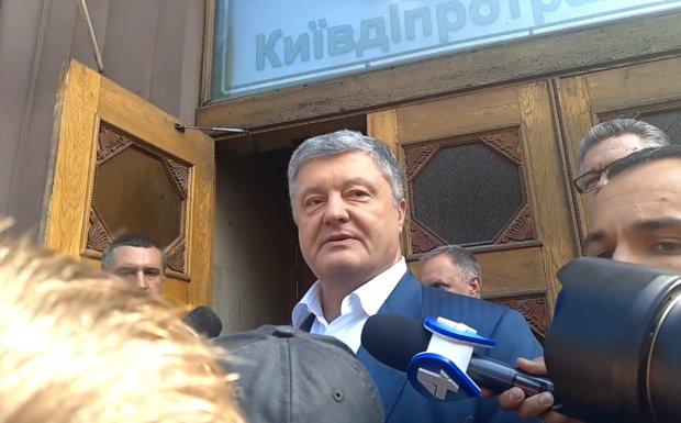 """Порошенко знайшов """"винного"""" в справі Кузні після допиту ДБР: хто завгодно, тільки не я"""