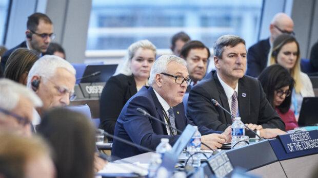 Рада Європи вимагає змінити Конституцію, чого хочуть від України в ЄС