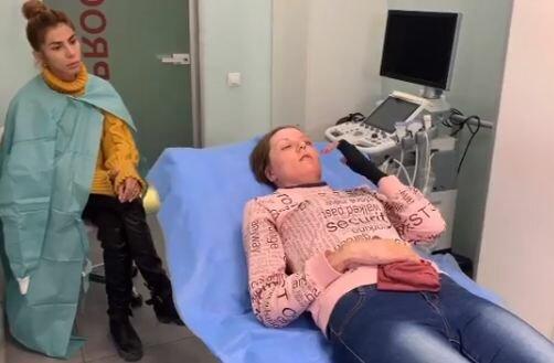 Не может закрыть глаз: обожженая запорожанка ляжет под нож Валихновского в Киеве