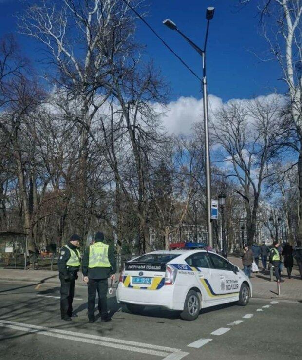 У Києві зник школяр в темно-синій куртці, особливі прикмети та фото