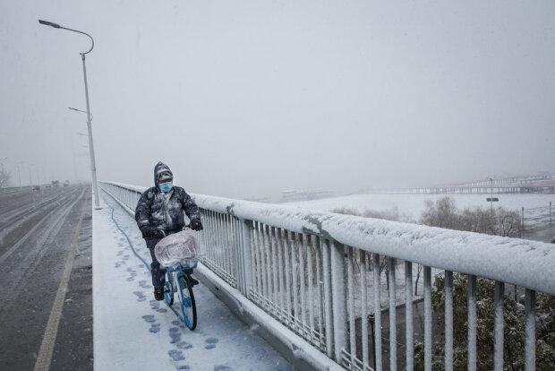 Падает снег, фото: Getty Images