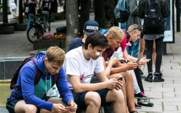 Блокування ВКонтакті та іншого мотлоху: як за рік змінилося життя українців