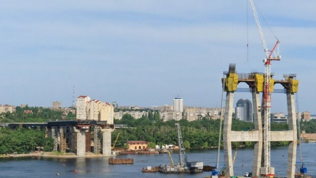 За мосты в Запорожье возьмутся китайцы: стали известны грандиозные планы мастеров из Поднебесной
