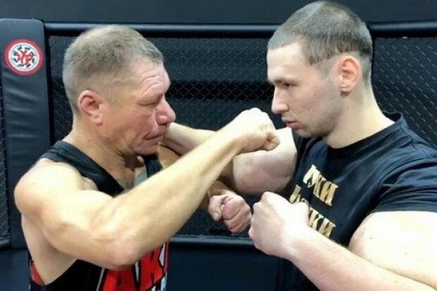 """Російські фріки Терешин і Монгол вперше вийшли на ринг, """"Рук-Базук"""" вистачило на 3 хвилини: відео"""