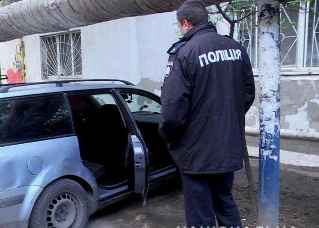 В Одессе 12-летний рецидивист угнал автомобиль и улегся в нем спать