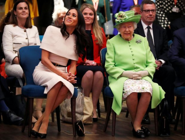 Принцу Гарри досталось от королевы из-за Меган Маркл