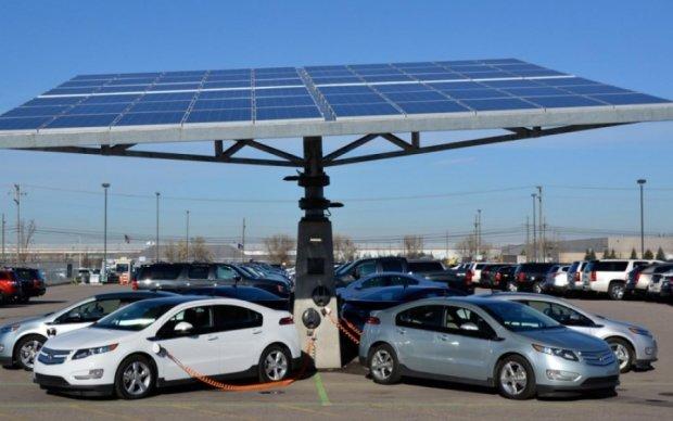 В Мининфраструктуры поделились налоговыми планами на электромобили