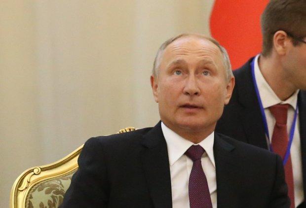 """Путін залишає крісло царя, озлоблені росіяни втомилися чекати і сказали своє """"ні"""": озвучено фатальну дату"""