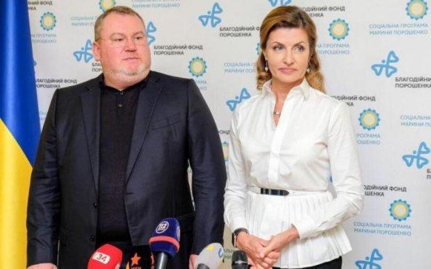 Фонд Порошенка и Команда Резніченка відкрили 51 медіатеку в школах Дніпропетровської області