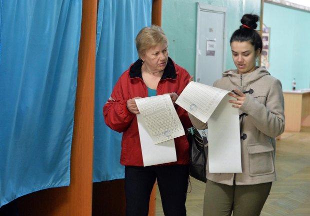 """""""Мова"""" не допомогла Порошенку, а Тимошенко підтримали в колонії: 10 цікавих фактів про результати першого туру"""