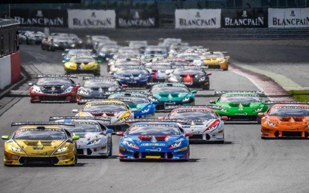 Швидкісні гонки закінчилися страшною ДТП: є постраждалі